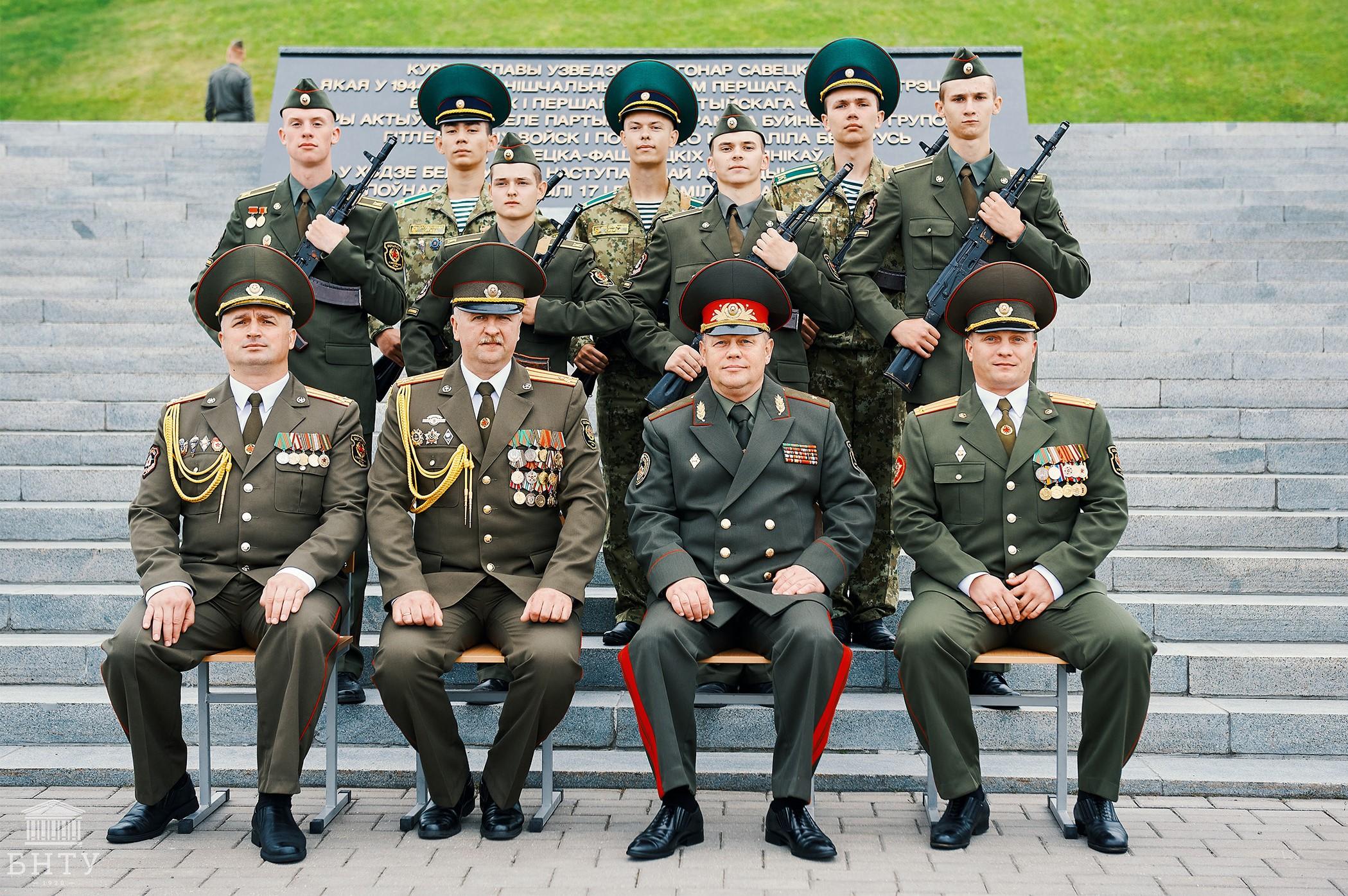 Принятие военной присяги курсантами 1-го курса военно-технического факультета в БНТУ