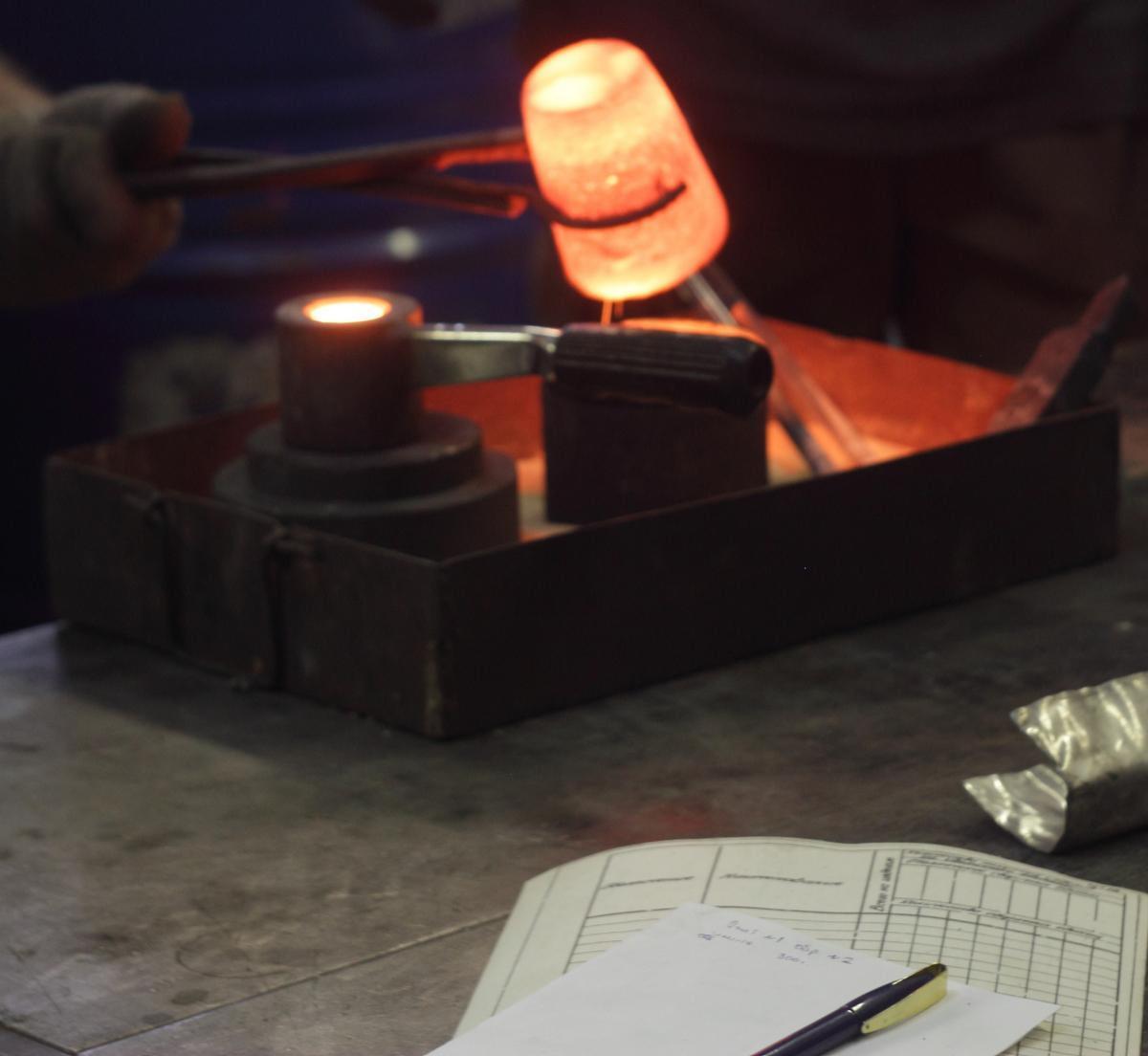 Опытные плавки на лабораторной высокочастотной установке