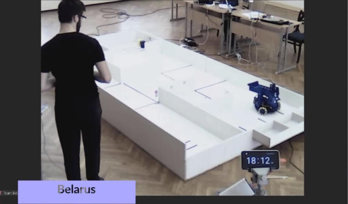 Этап соревнований. Дистанционное управление роботом с джойстика