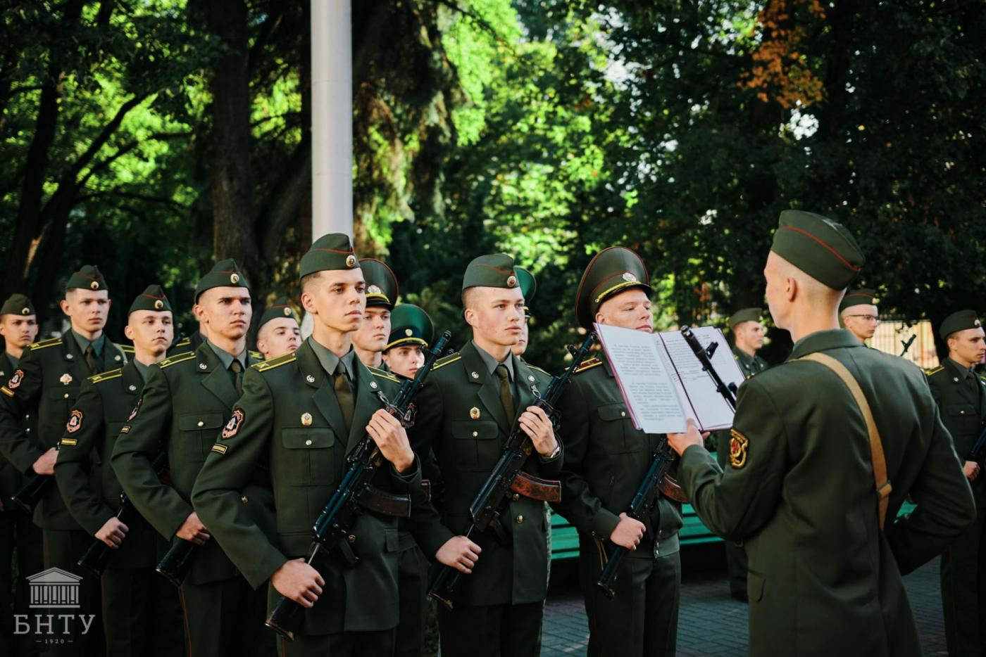 «Каждый мужчина помнит тот день, когда принял присягу». Рассказываем, как прошла первая в новом столетии БНТУ церемония принятия военной присяги первокурсников ВТФ