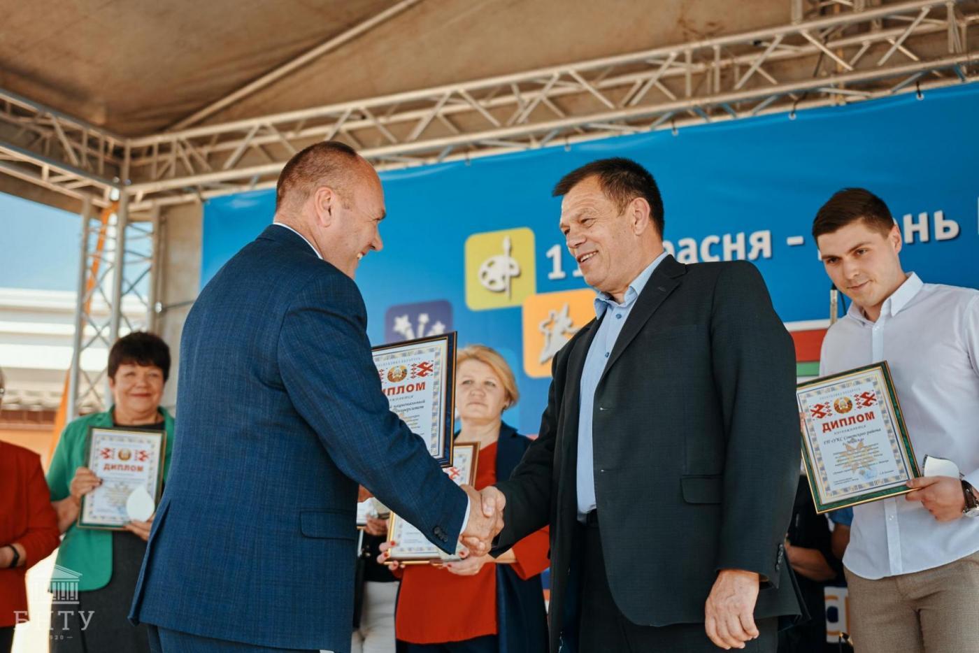 БНТУ стал победителем городского смотра-конкурса «Лучшая скамейка Советского района – 2021»