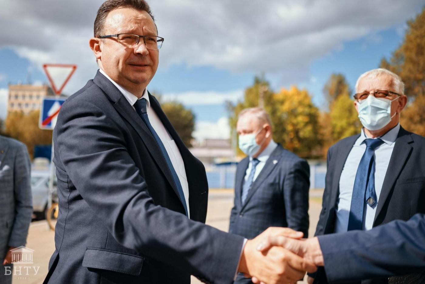 Министры здравоохранения и образования Республики Беларусь ознакомились с инновационными разработками БНТУ