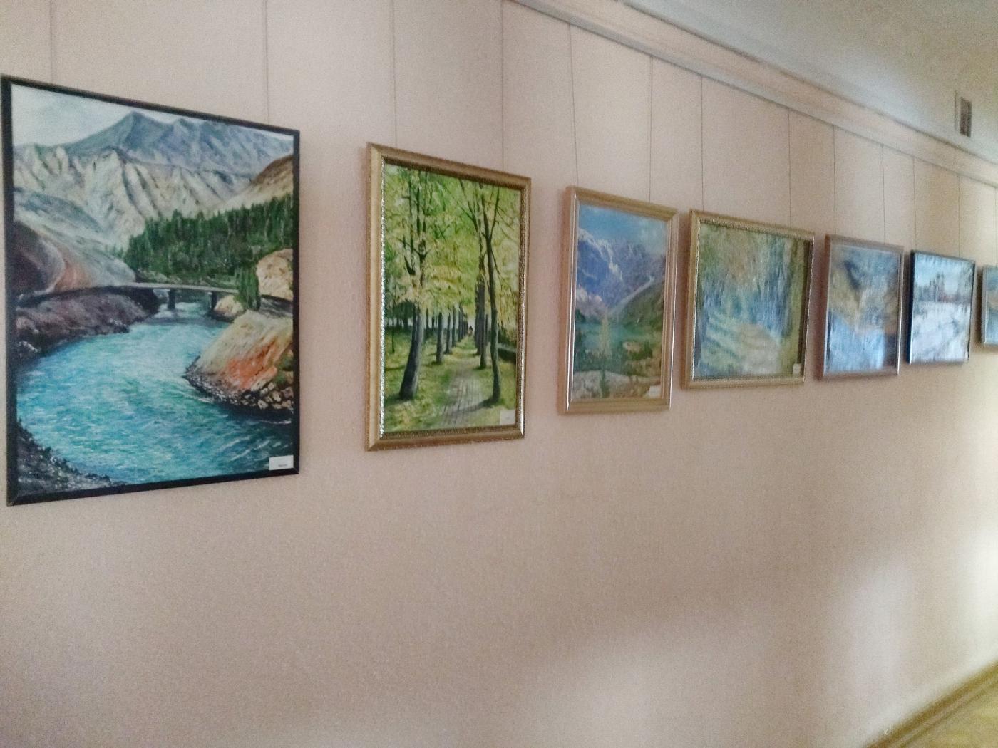 Выставка картин доцента ПСФ В. П. Лугового