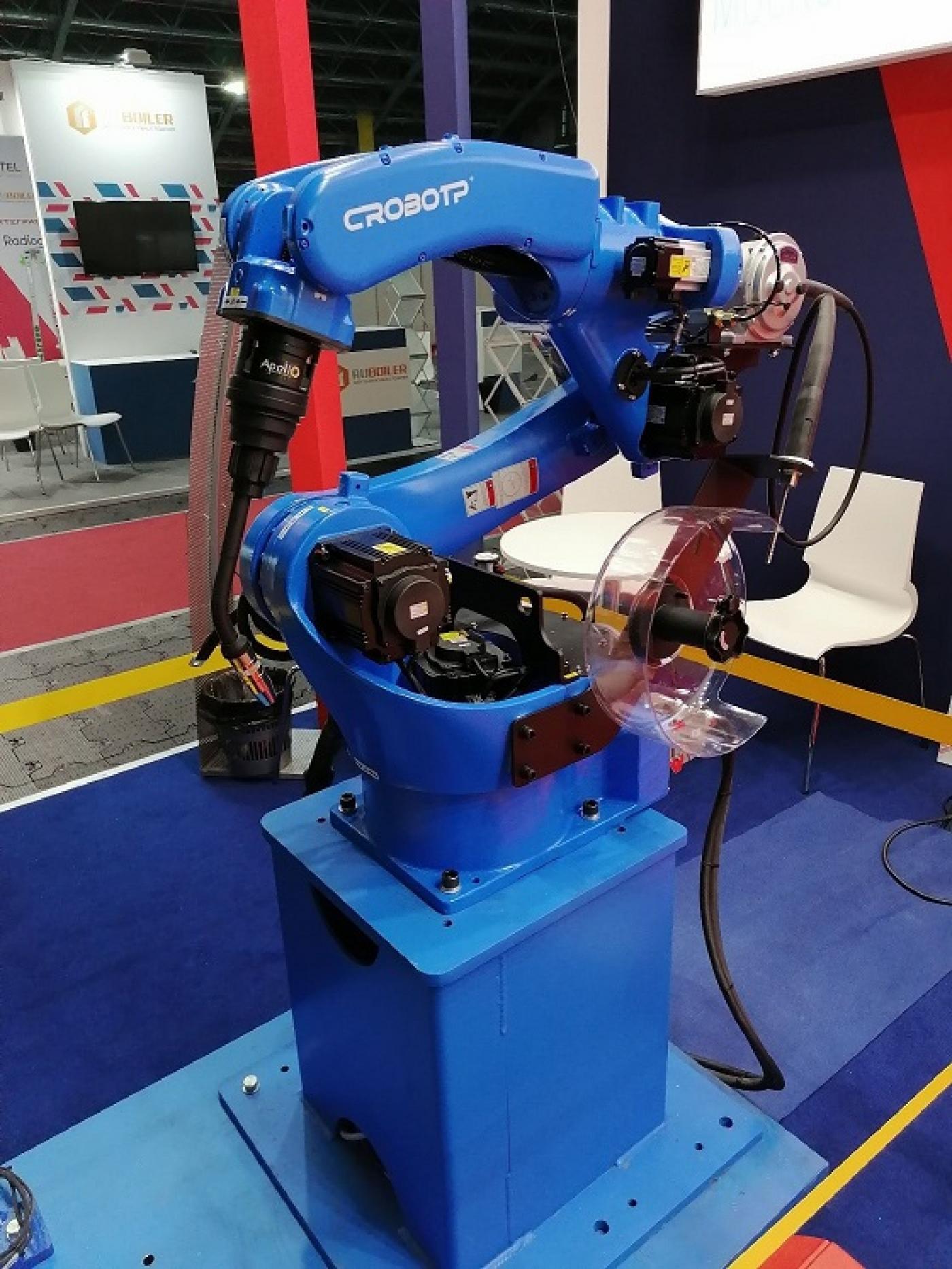 Cтуденты и преподаватели кафедры «Робототехнические системы» на выставке «ТехИнноПром-2021»