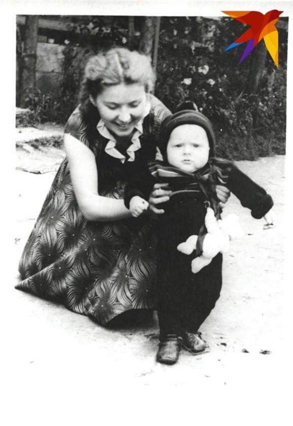 Валентина Титовна с сыном