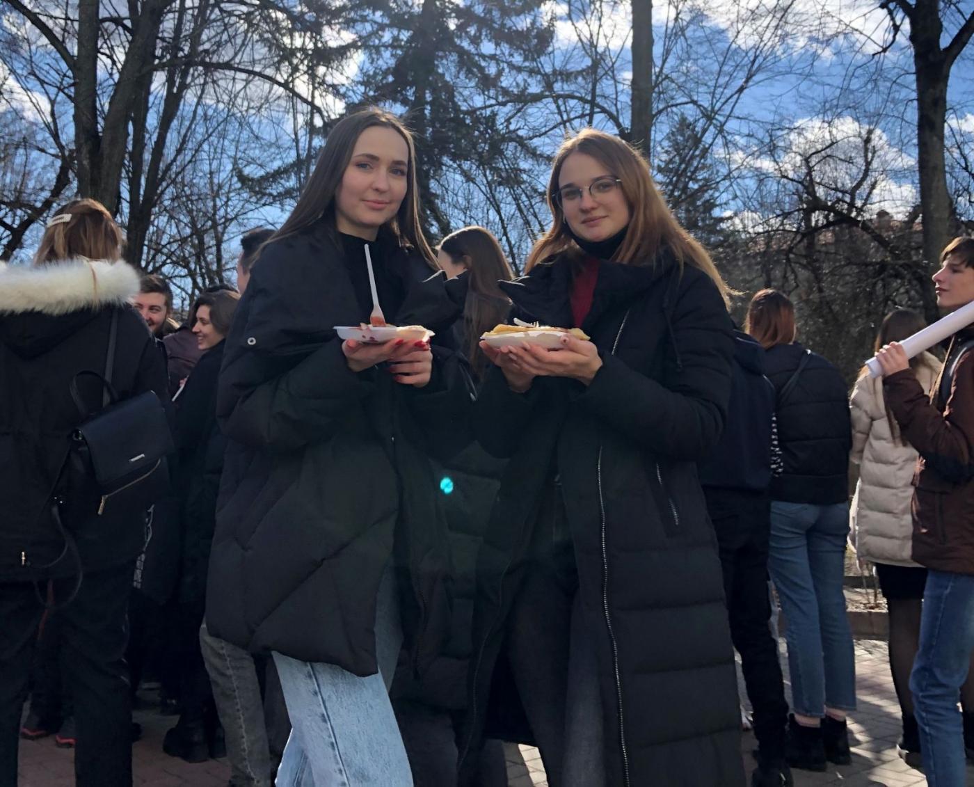 Встречаем весну: возле главного корпуса БНТУ было организовано празднование Масленицы