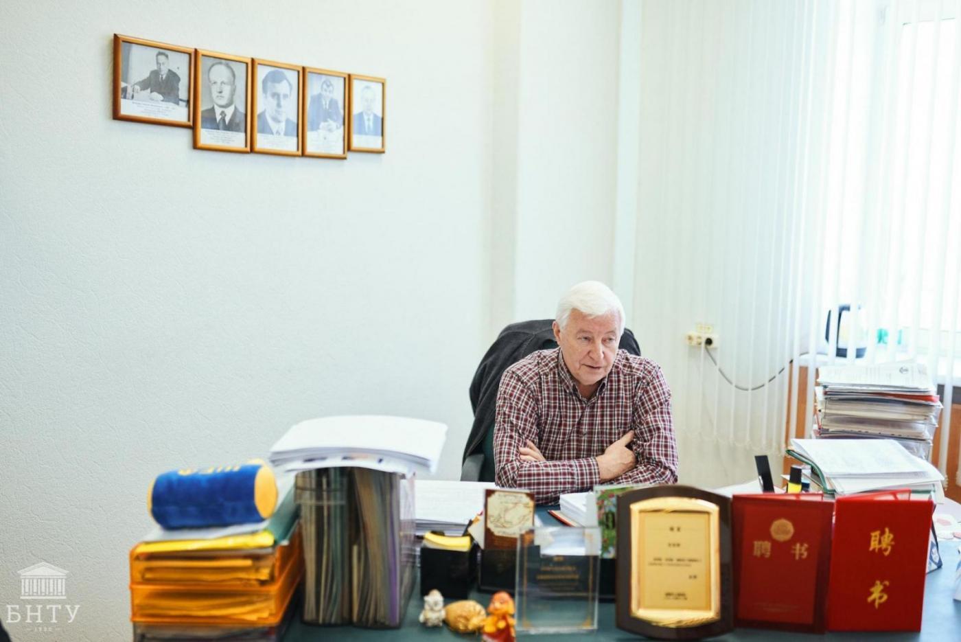 «Никогда не думал, что вернусь в БНТУ заведующим кафедрой», – поговорили с Валерием Константиновичем Шелегом накануне его дня рождения