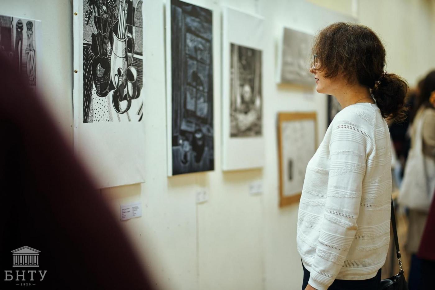 На ФТУГ открылась выставка художественных работ студентов. Оцените их мастерство