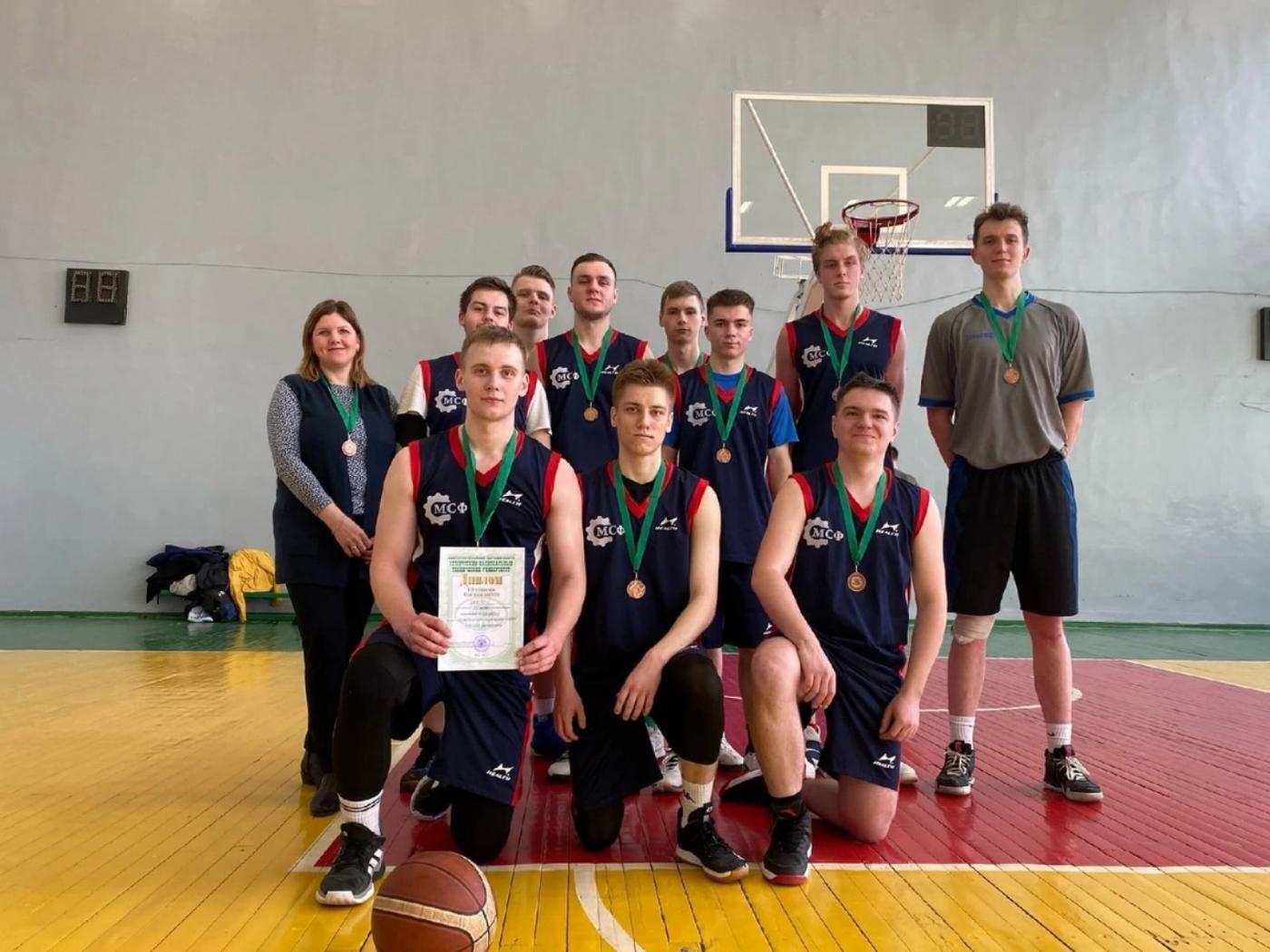 Еще одна медаль: в БНТУ прошла студенческая спартакиада 2020-2021 года по баскетболу среди факультетов