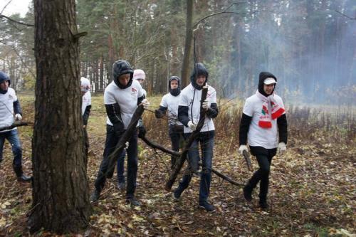 ПО РОО  «Белая Русь» БНТУ приняла активное участие в  субботнике в урочище «Куропаты»