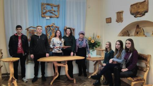 Студенты общежития №8 посетили выставочный зал «Берегиня» в главном корпусе БНТУ